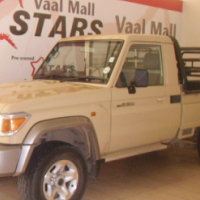2015 Toyota Land Cruiser 79 4.2 D Pick up with 43000 KM on clock