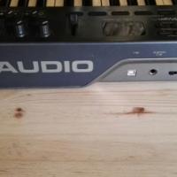 Tapco by Mackie S5 + M-Audio Oxygen 25