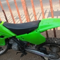 KAWASAKI KX 125 2 STROKE IT IS IN A VERY GOOD CONDITION WITH PAPERS R12000