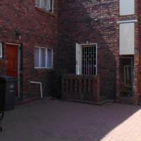 Spacius 2 Bedroom Duplex Flat For Sale in Claremont Pretoria