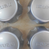 ISUZU 16INCH STEEL RIMS WITH CENTER CAPS no tyres for sale or swap
