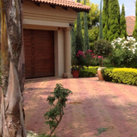 BEAUTIFUL TUSCAN HOUSE TO RENT IN SECURITY COMPLEX