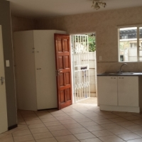 Townhouse to Rent in Olivedale
