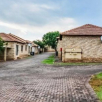 A stunning freestanding 2 bedroom house situated in a well maintained secure complex in Witpoortjie