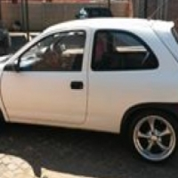 Opel corsa 2l 8v
