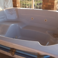 Jacuzzi for sale  no pipes and pumps price neg.