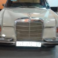 Collectors Mercedes 280 SE