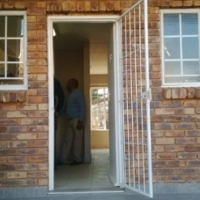 Two Bedroom Townhouse - Centurion - R6100