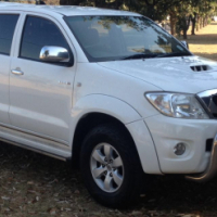 2011 Toyota Hilux 3.0 D4D Auto,  180 000km, Full Service History at Toyota, just been serviced, Crui