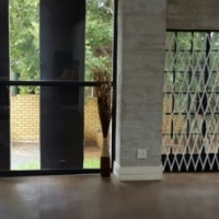 Stunning modern house to rent in the middle of Centurion, Highveld area.