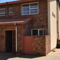 Large 3 slp townhouse to rent, Potchefstroom
