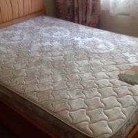 Queen size bed with 3 drawer and mattress