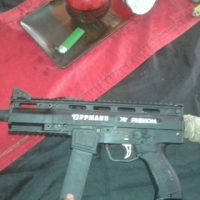 Pro-paintball gun tippmann x7 phenom