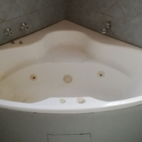 Corner Jacuzzi Bath