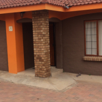 Bendor townhouse to rent