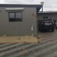 Bachelor Flat/Cottage for rent- for singles or couples only in Silverton, Pretoria