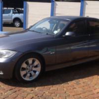 2009 BMW 320i (E90)