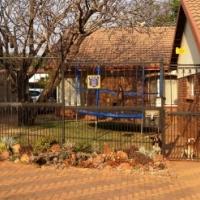 Lovely 3 Bedroom 2 Bathroom House - Waverley Pretoria