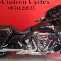 Immaculate CVO Street Glide with Lots of Extras!