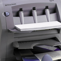 Pitney Bowes DI 200 inserting and folding machine