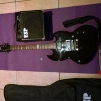 ESP Ltd viper 10 Guitar, Amp, guitar bag, Learner book, puk and tuning box.