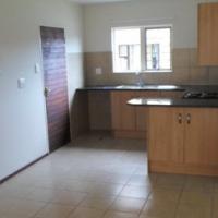 Ground floor, 2 bedroom, one bathroom simplex to let in Lephalale