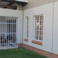 For sale -Immediate available  Modern 3 bedroom, 2 bathroom townhouse with double garage