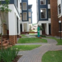 Greenstone near Greenstone Shopping Centre 2bedrooms, bathroom, kitchen, lounge, Rental R7500 Call 0