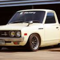 Datsun 620 windscreens