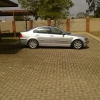 R50000 bmw 325i e46  2005 model automatic facelift,silver in colour