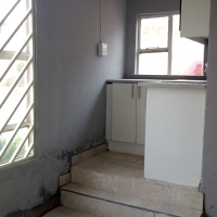 Bachelor flat with kitchen and toilet to let. Ext 5 Cosmo-City.