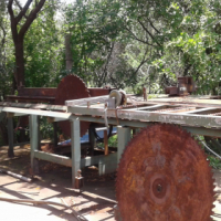 sleeper/log saw to swap for a 3 - 5m2 dam scoop/dam skrop