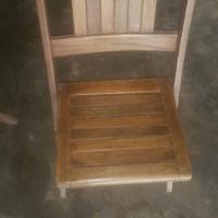 3 Opvou hout stoele