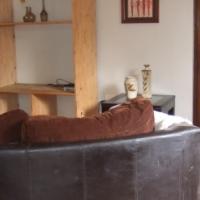 Mount Moreland one bedroom pet friendly cottage to let