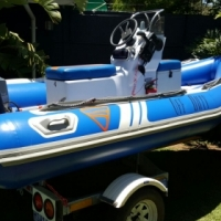 Clean 4,4m Gemini rubber duck on galvanized trailer with 40hp mariner motor