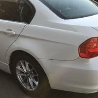 BMW 320i 2010 model