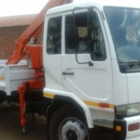 Nissan UD 80 WITH 6 TON FASSI CRANE