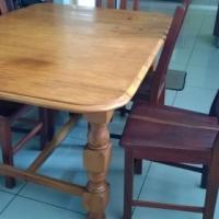 6 Sitplek Eikehout Eetkamer Tafel & 5 Stoele / 6 Seat Oak Diningroom Table & 5 Chairs