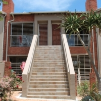 NEAT TOWNHOUSE FOR SALE IN GORDON RIDGE Complex, FLORIDA GLEN ROODEPOORT