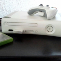 Wit xbox 360 for sale  Moot