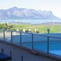 """Golden Mile"" Studio Apartment Share - Somerset West"