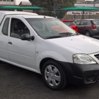 Nissan np200 1.6i (aircon)   2-doors,    factory a/c,   c/d player,     central locking,     white i