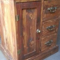 Petit Pine Cabinet (635x495x765)