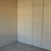 1 Bedroom Garden Flat in Gezina