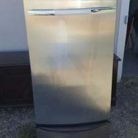 Whirlpool fridge 330l