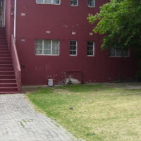 Townhouse to park cars 8 for sale in Turffontein:R450000