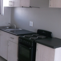 PAY ONLY 50% RENT FOR MONTH OF FEB   Stylish little bachelors pad in Kensington