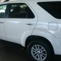 2015 Toyota Fortuner 3.0 D4D 4x2 A/T only 60000 km Immaculate Condition