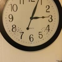 Decorative quartz wall clock, used for sale  Pretoria East