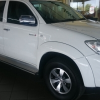 2010 Toyota Hilux 3.0 D4D 4X2 A/T 102000 km Outstanding Condition Bargain